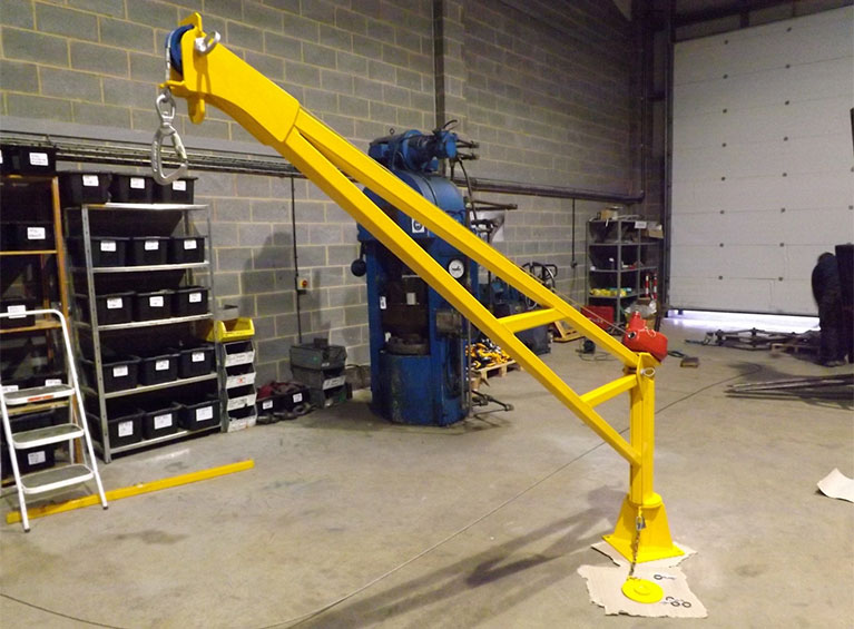 Jib Crane Testing : Man riding lifting davit swl kg c w retrieval winch